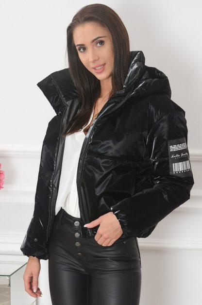Krótka kurtka pikowana z kapturem czarna Bello Rozmiar: L Inny 1
